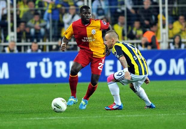 Galatasaray's Emmanuel Eboue escapes fan attack in Turkey