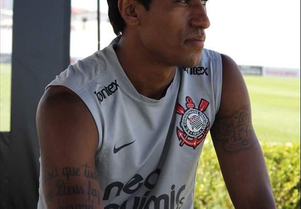 Paulinho quer ficar no Corinthians até o fim do ano
