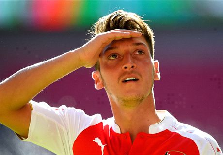 Ozil: Saya Bisa Raih Ballon D'Or!
