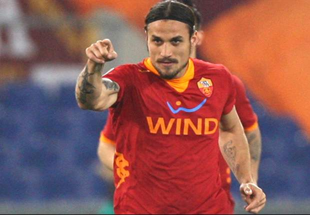Agent: Osvaldo's future lies with Roma