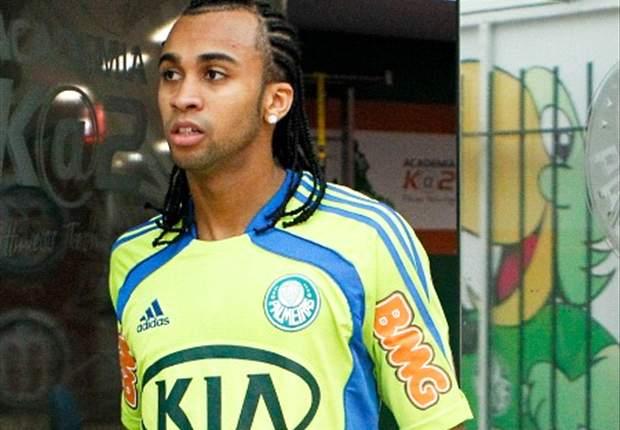 Wesley desfalca Palmeiras por até oito meses
