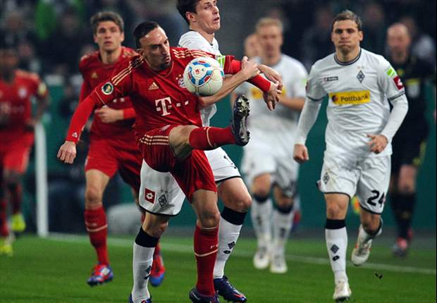Borussia Monchengladbach 0-0 Bayern Munich (AET, Bayern wins 4-2 on pens): Dante and Nordtveit misses condemn home side as Bavarians keep double hopes alive