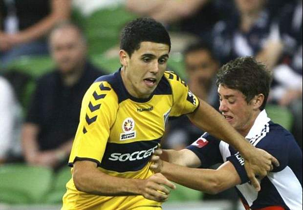Rogic, Zwaanswijk re-sign with Central Coast Mariners