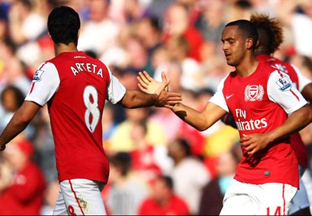 Premier League Team of the Week: Walcott makes seventh appearance this season while Sagna also features