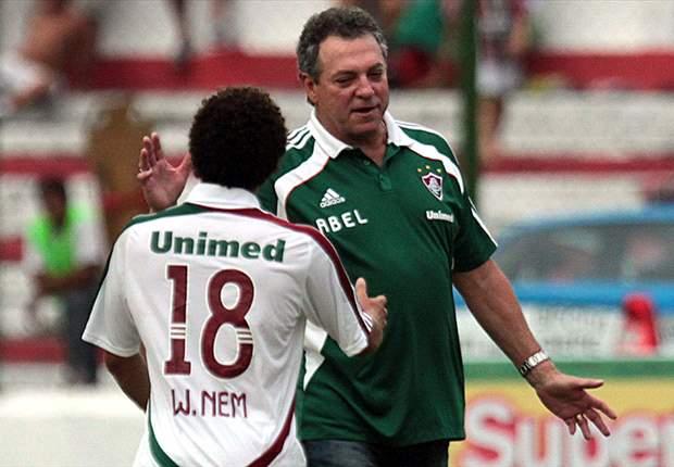 Abel Braga elogia time e afirma que não se pode desfocar