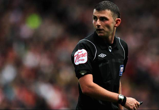 'Michael Oliver is no bottler' - former referee Winter slams 'ignorant' fans after Old Trafford penalty controversy