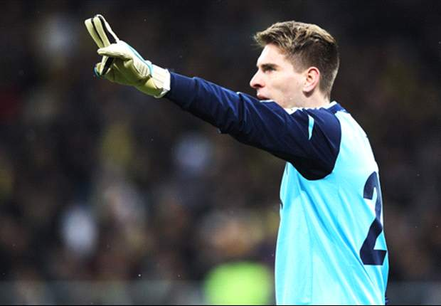 'I rarely look over to Manchester' - former United keeper Zieler happy at Hannover