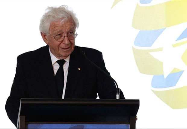 FFA chairman Frank Lowy rejects talk of separate A-League body