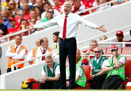 Wenger hits back at Arsenal critics