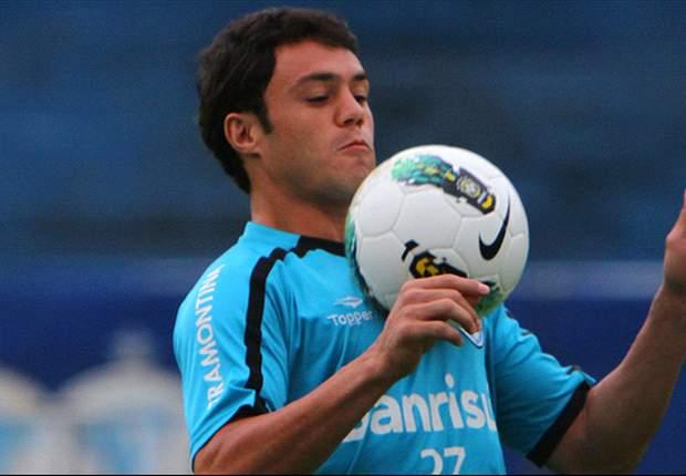 Dirigente do Grêmio nega transferência de Kléber ao Palmeiras