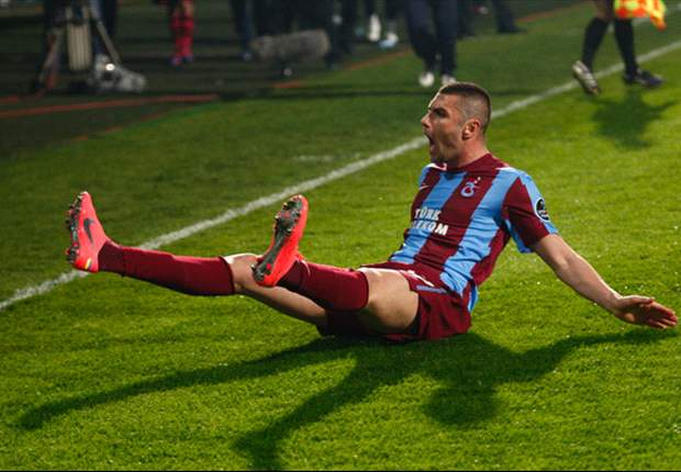 Trabzonspor's Burak Yilmaz overjoyed at winning Goal.com World Player of the Week award