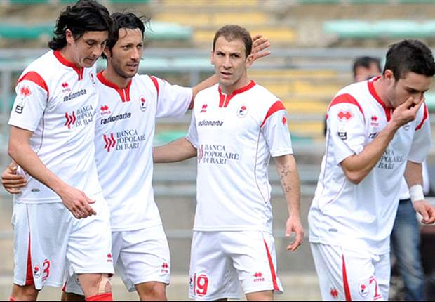 Scommessopoli, sei ex calciatori del Bari non rispondono alle domande degli inquirenti