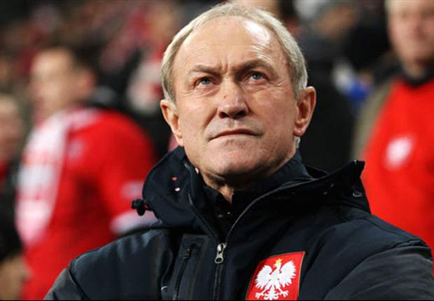 Smuda makes defensive changes for Poland against Russia
