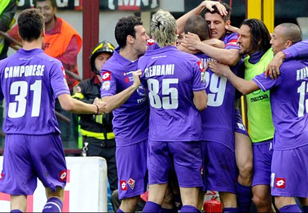 AC Milan 1-2 Fiorentina: Late Amauri goal earns stunning victory and provides critical blow to title hopes of Rossoneri