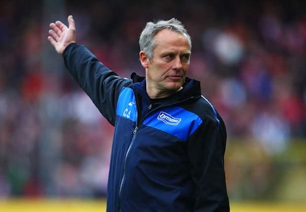 SC Freiburg: Christian Streich bestreitet Probleme mit Sportdirektor Dirk Dufner