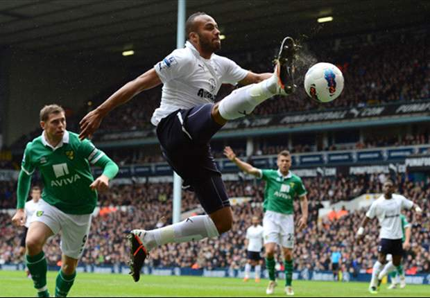 Kaboul set to become next Tottenham star to sign new deal