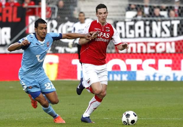 AZ 2-2 Twente: Late Bajrami header keeps title dreams alive