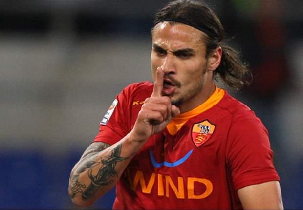 Real Madrid to offer €10 million plus Gago for Osvaldo - report