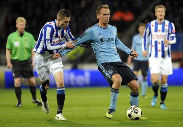 Ajax legt hand op de schaal in Heerenveen