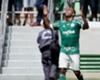 Alecsandro comemora gol contra seu ex-clube