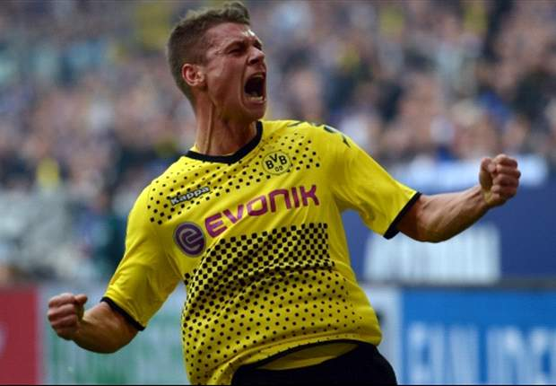 Juventus line up Piszczek as Lichtsteiner replacement