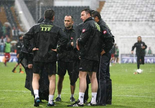Besiktas v Galatasaray postponed due to heavy rain