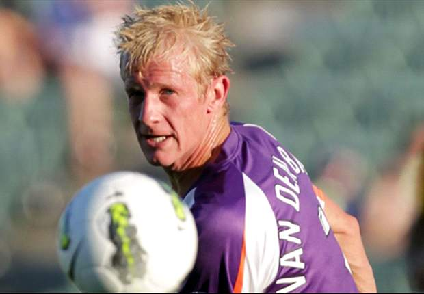 Van den Brink departs Perth Glory to make India move