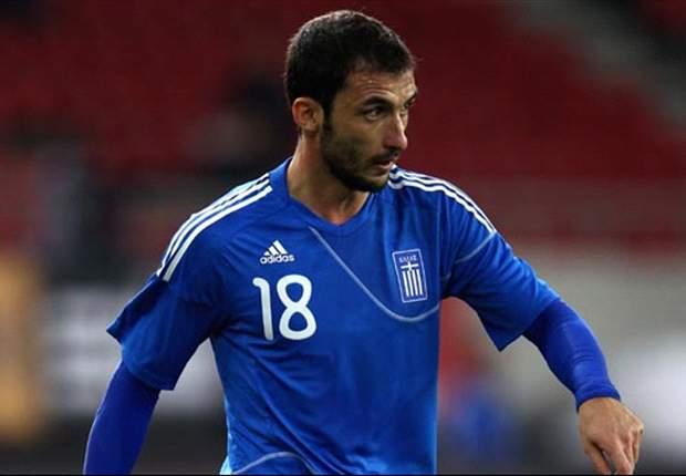 Greece midfielder Fotakis out of Czech Republic clash with knee injury