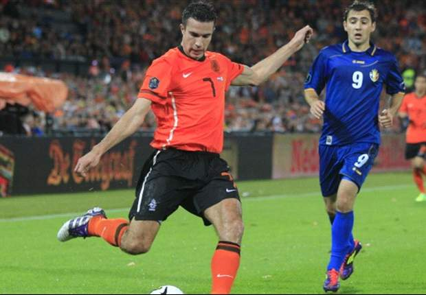Van Persie unsure of Netherlands starting place at Euro 2012