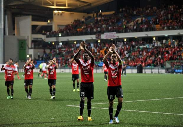 PKNS 0- 3 Kelantan : Kelantan came alive in the final ten minutes to brush aside a lacklustre PKNS