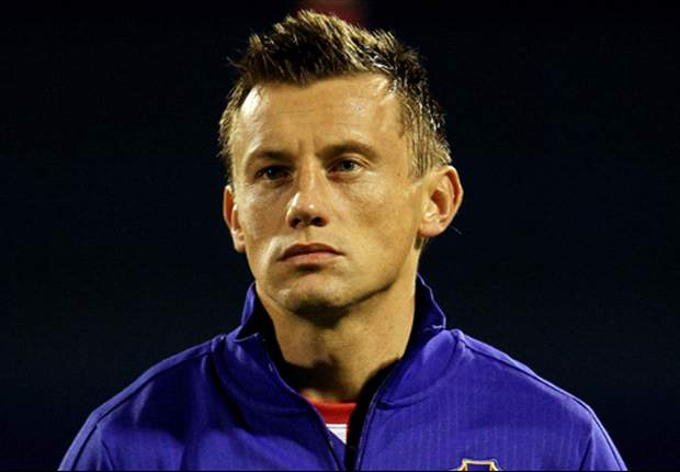 Olic ruled out of Euro 2012 with thigh injury