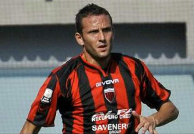 Nocerinas Marco Pomante bricht auf Spielfeld zusammen