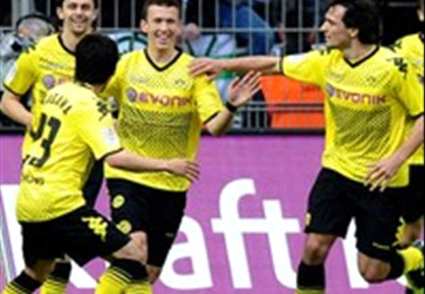 Borussia Dortmund 2-0 Borussia Monchengladbach: Perisic and Kagawa trigger celebrations as Jurgen Klopp's men retain Bundesliga crown
