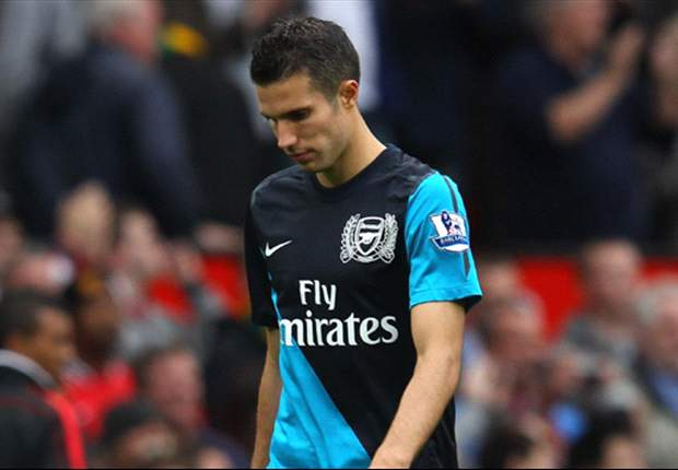 Manchester City refuse to break wage structure for Van Persie