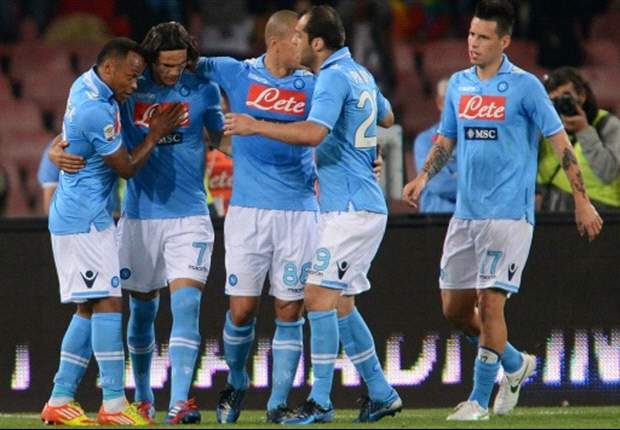 Napoli 2-0 Palermo: Cavani and Hamsik fire home side to victory