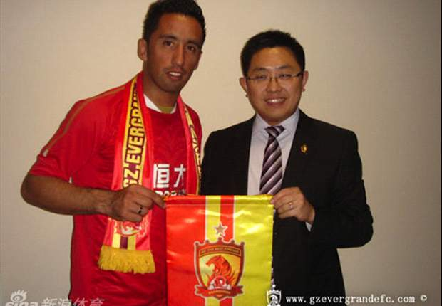 New Guangzhou Evergrande signing Lucas Barrios keen to make ACL impact