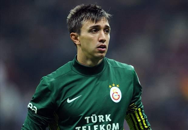 Galatasaray Klaim Manchester United Inginkan Fernando Muslera-Semih Kaya