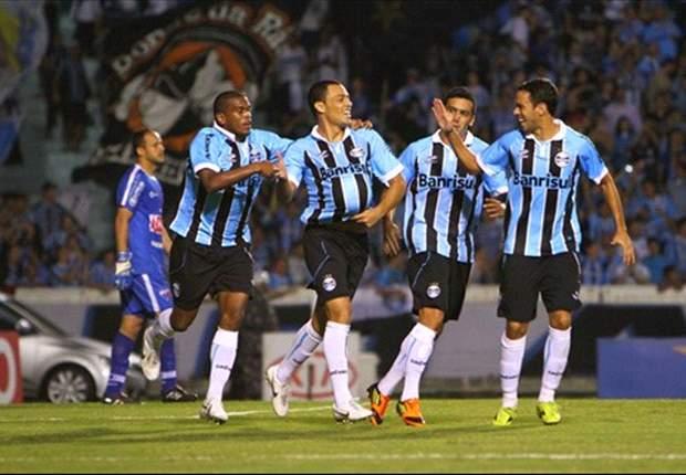 Léo Gago lembra 2011 para dar receita ao Grêmio
