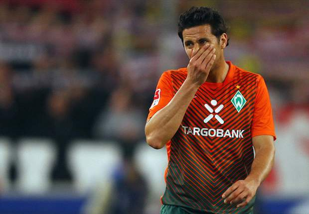 Report: Pizarro signs one-year deal with Bayern