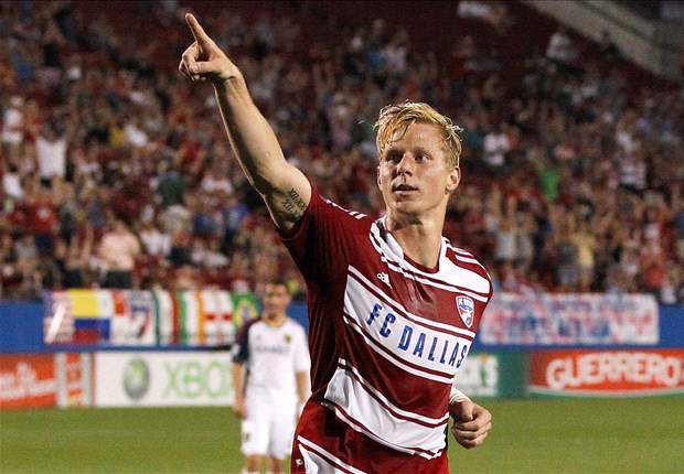U.S. midfielder Brek Shea undergoes successful foot surgery