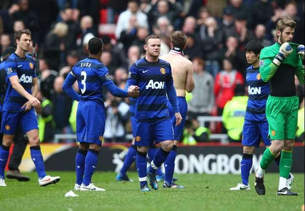 Manchester United look to banish Stadium of Light darkness