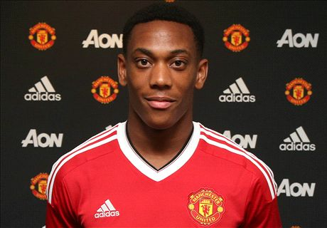 OFFICIAL: United sign Martial