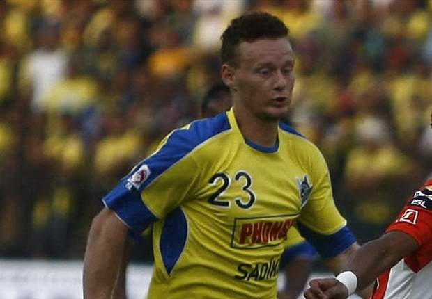 Lawan Sriwijaya FC, Pertahanan Gresik United Bermasalah