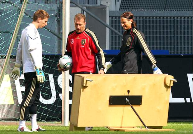 Ron-Robert Zieler could be cut from Germany's Euro 2012 squad