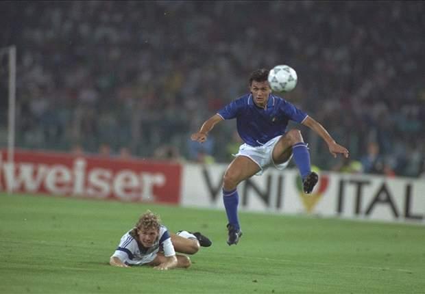 """Maldini ripercorre la sua storia al Milan: """"Quanto era forte la squadra del '91-'92. Nel 1998-1999 superammo ogni aspettativa"""""""