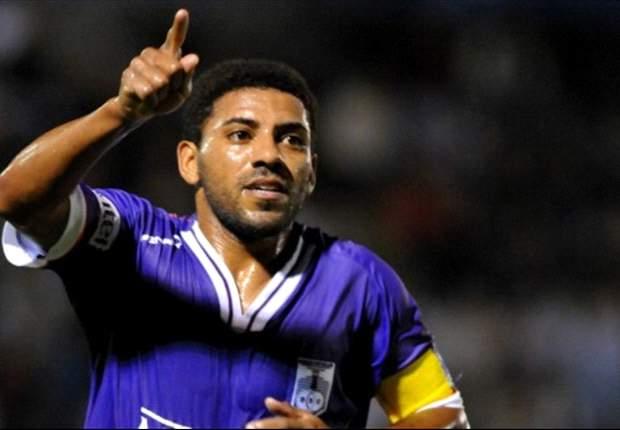 Nicolás Olivera se acerca a Defensor Sporting