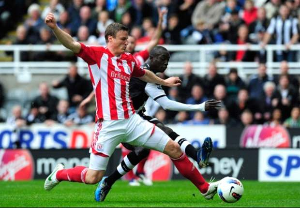 Pulis: Stoke won't sell Huth