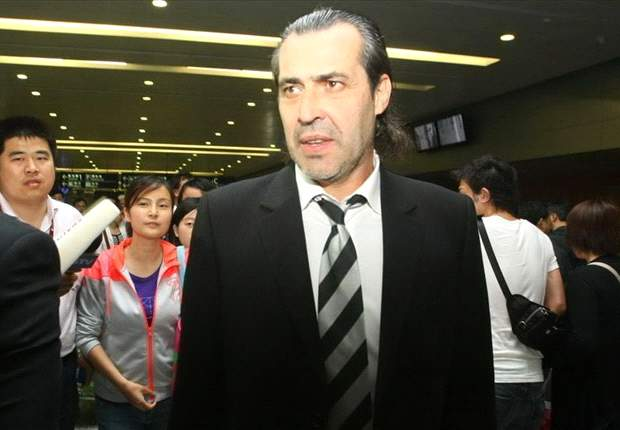 Presumptive Shenhua manager Sergio Batista arrives in Shanghai