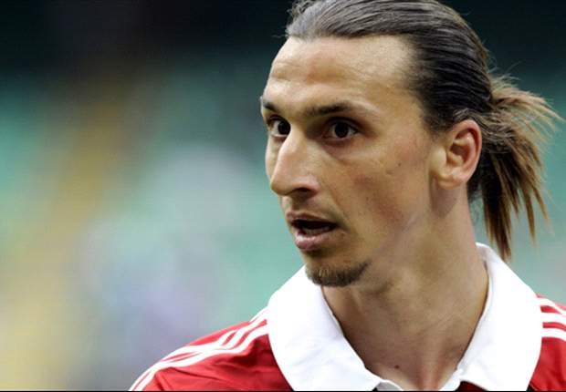 Ibrahimovic laughs off Paris Saint-Germain rumours