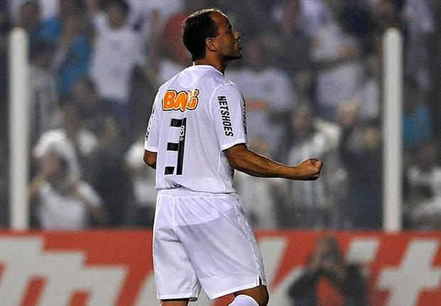 Léo renova por mais um ano com o Santos